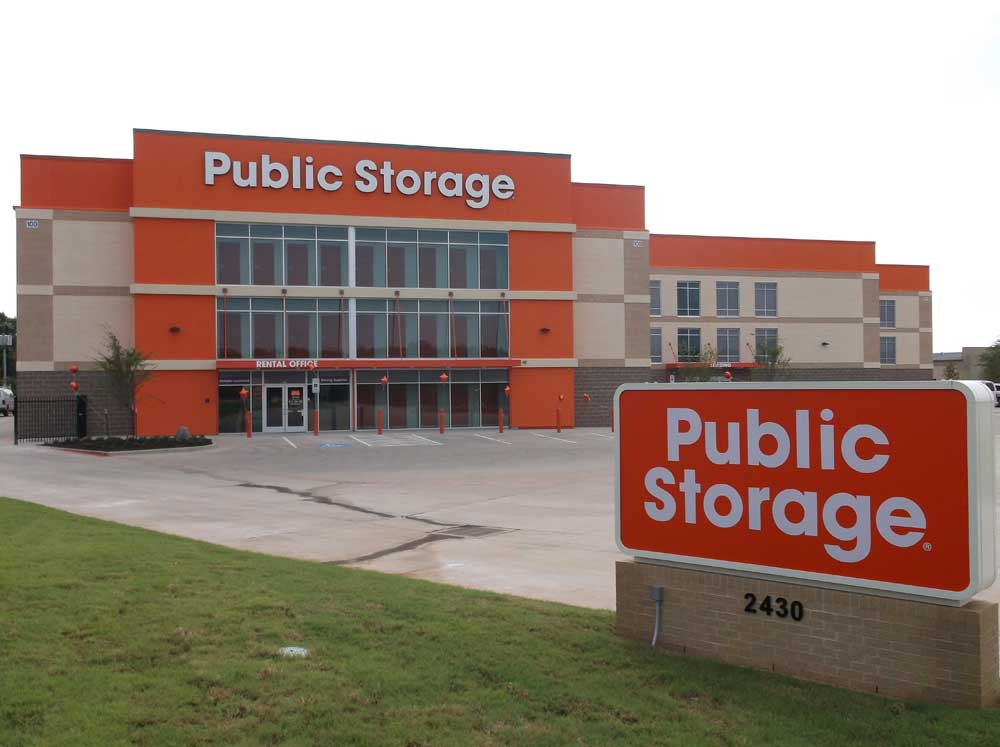 Vanguard Self Storage Llc in Arlington TX